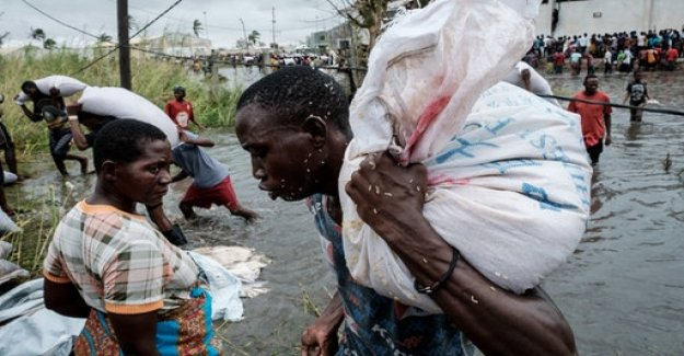 Rescue after cyclone on East coast of Africa: Every Minute