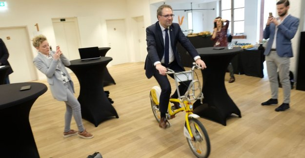 Rondekoorts in Antwerp can begin: who yellow Velofiets wines, a chance to place in truck