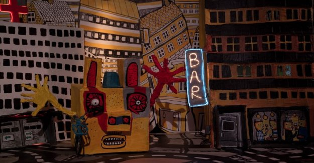 Scenrecension: Radio-controlled puppets unsatisfied in capitalism