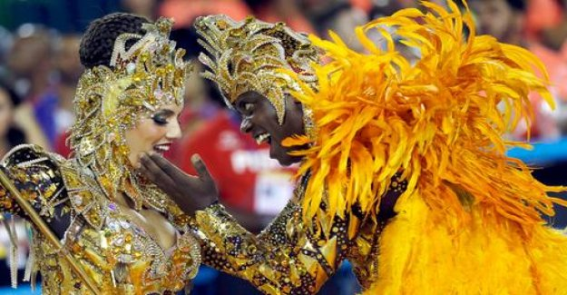 Show of the Samba schools: pictures from the carnival to run in Rio