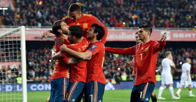 Spain and Italy start with a win in qualifying