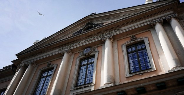 The Swedish Academy near the election of two female members