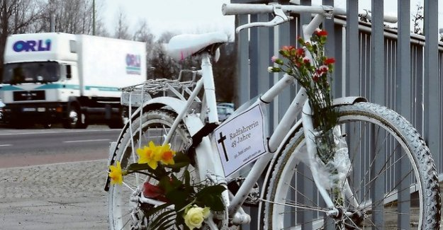 The accident record of the police : More Dead in Berlin's traffic - including two children