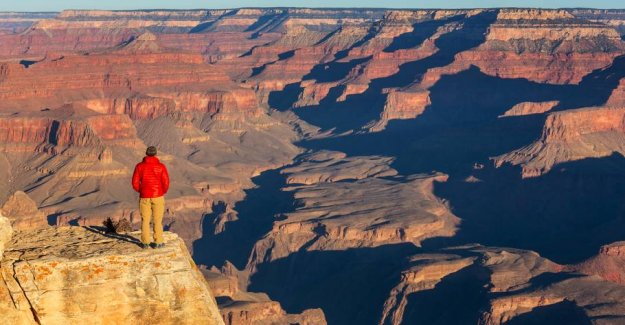 The tourist fell to his death while he took pictures