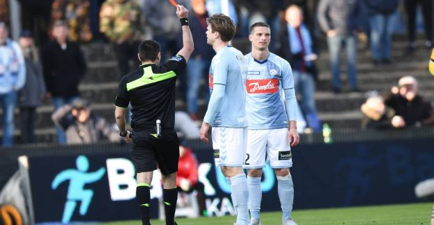Two red cards livede up in dull fight