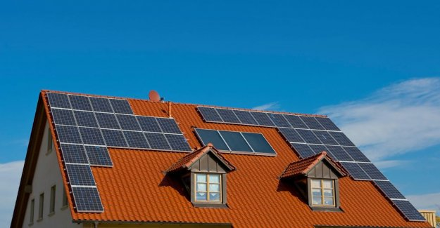 Two years Zonnekaart: after families are also investing more in companies in solar energy