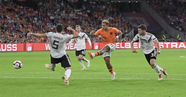 UEFA European championship qualifier against the Netherlands : The duel of the atypical centre-forward