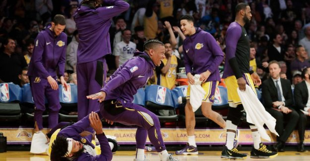 VIDEO. Kapseizende opponent leads to hilarity at the Lakers - Orlando Magic is nearing play-offs