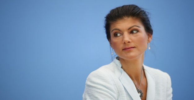 Wagenknecht from the Left group chair