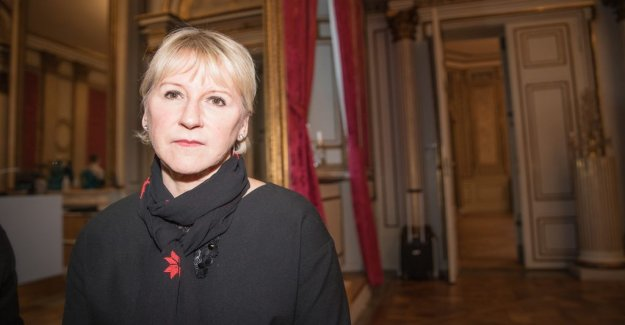 Wallström: Would be able to move about the genocide