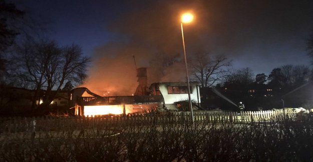 A person injured in house fire in Sollentuna