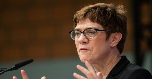 AKK is losing consent : The conservative course of the CDU deters voters