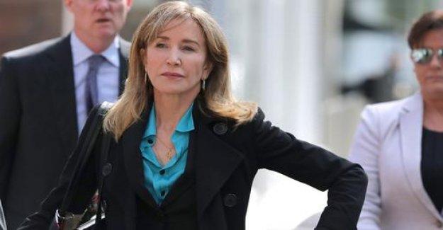 Actress Huffman admits bribery by U.S.-Uni