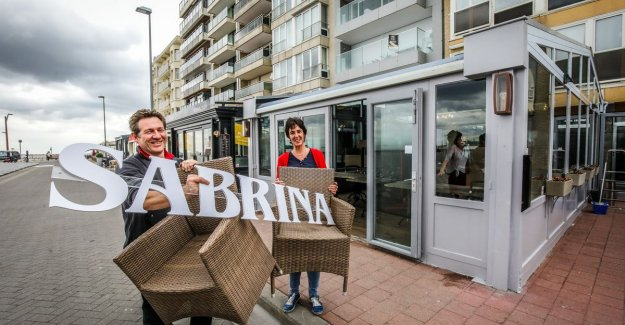 After 128 years is 't Hespekotje close, but operators open now brasserie near the Seawall: it is Only to be regretted that we have no spare ribs à volonté longer be able to serve