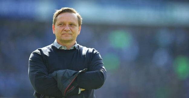 After the descent in the German Bundesliga : Hannover 96 Manager Horst Heldt dismisses