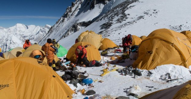 After two weeks, all 3,000 kilos of waste collected on Mount Everest