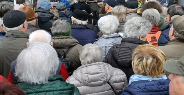 Ageing societies : immigrants in the Welfare of the country increase