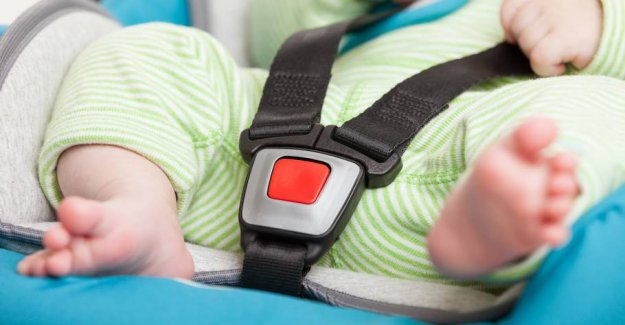 Ambulanceredder: Therefore, parents should put a note in the child seat