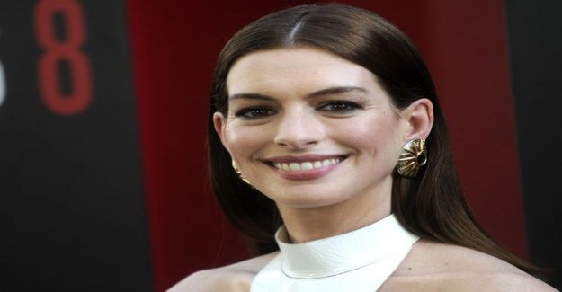 Anne Hathaway doesn't drink anymore alcohol for the next sip only, when Jonathan-boy, 3, to move away from home