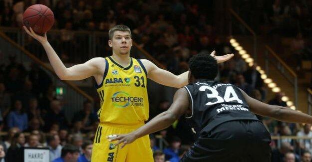 Basketball-Bundesliga : Alba Berlin wins in Crailsheim