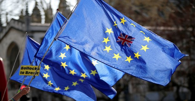 Be looking for ways out of the Brexit-Chaos
