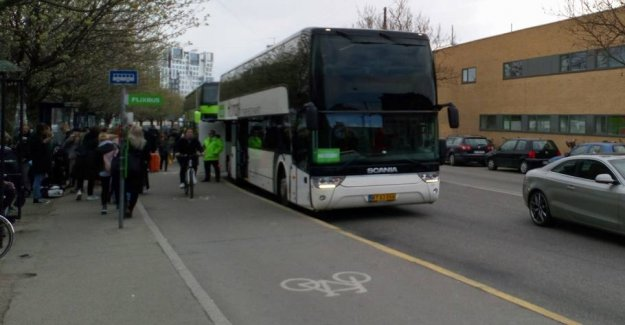 Bike-Jesper for royal bus and coach passengers: you are annoying