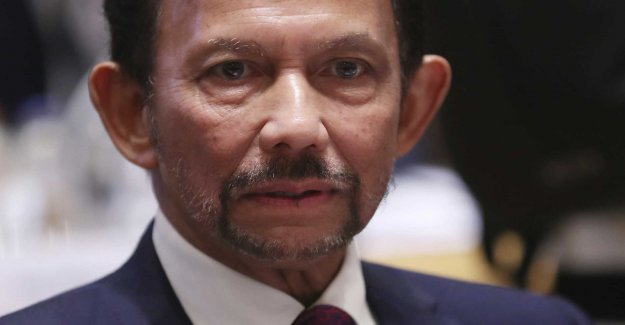 Brunei introduces death by stoning