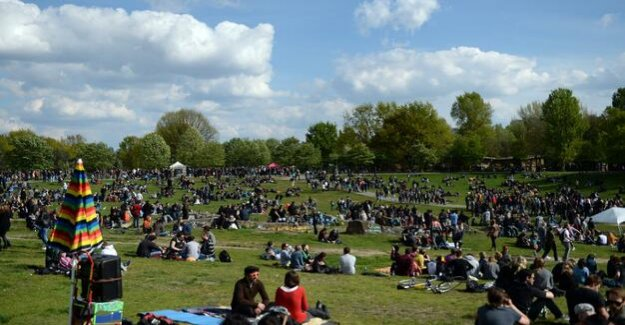 Celebrating on 1. May : The Görlitzer Park is to be at the party-free Zone