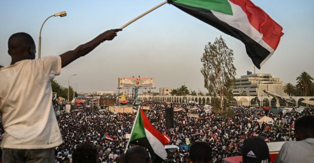 Continued massprotest in Sudan – requirements for civilian rule directly
