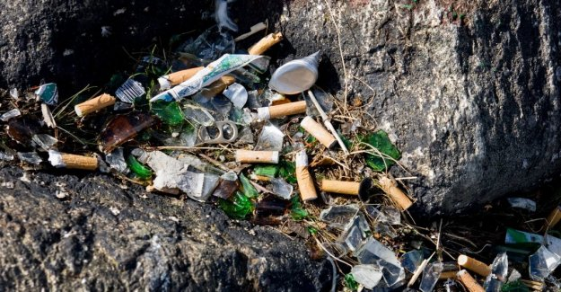 DN Opinion. Judge smokers who throw cigarette butts to community service