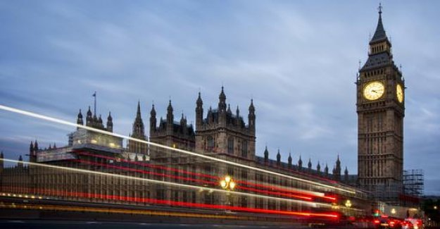EU: London needs to collect taxes from large corporations