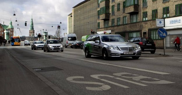 Electric cars must run in busbanen, but missing the green light