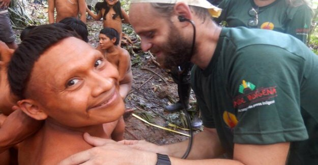 Emotional moments on the Amazon : Expedition in Brazil to indigenous people