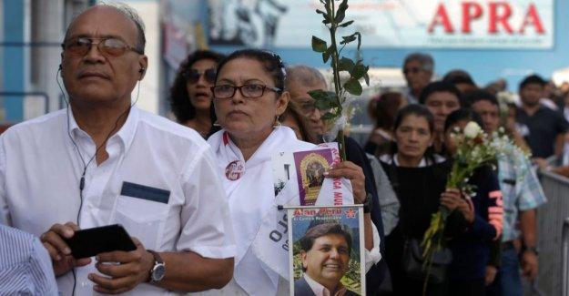 Fatal busskrasch the face of the García funeral