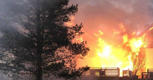 Fire in the kedjehuslänga – two villas completely övertända