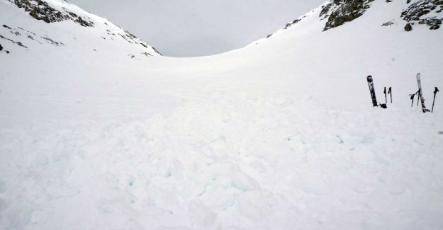 Four dead in swiss avalanche