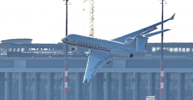 Government jet to miss the runway
