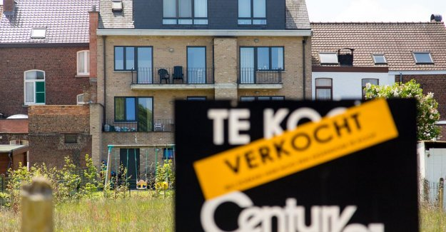 House prices fall for second quarter in a row: Remarkable