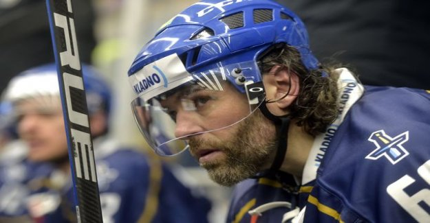 Incredible domino's india! NHL legend Jaromir Jagr, 47, scored four goals - grey beard, brought his troops into the big leagues