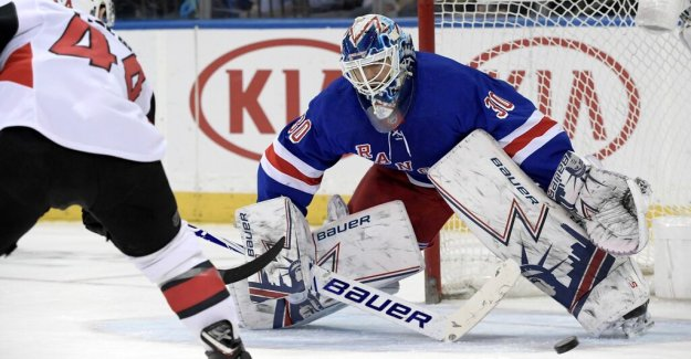 Information: Henrik Lundqvist is playing the world CUP