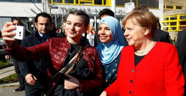 Integration in schools : Merkel's fan club