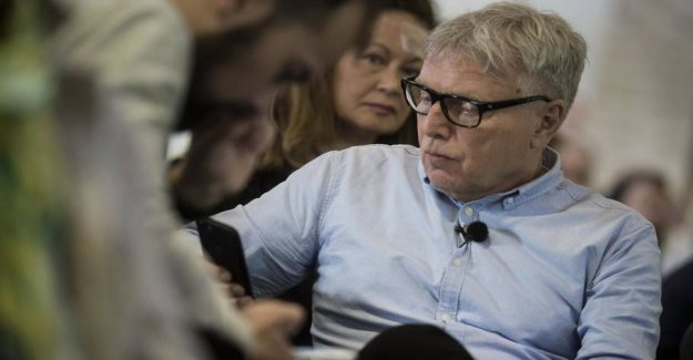 Introduces rotation: Throw the politicians out of the Parliament after 10 years... but not the Uffe