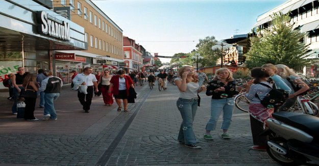 It should not be easy for Växjö's young people