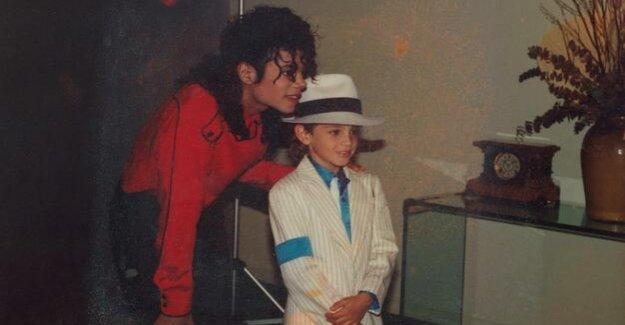 Leaving Neverland on ProSieben : Demo against Michael-Jackson-documentary