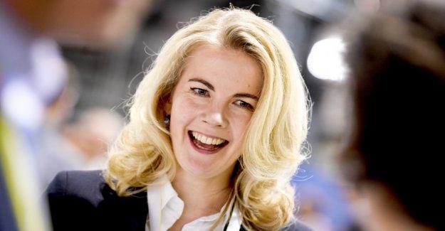 Linda Teuteberg chosen with 92.8 percent for the FDP General Secretary