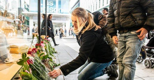 Locals honored terroroffren on the anniversary