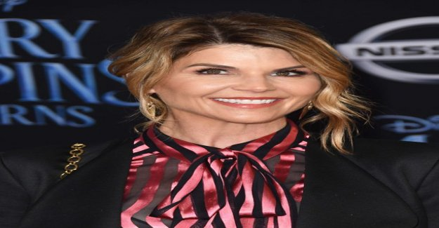 Lori Loughlin hired top lawyers – was released bribery scandal allegations