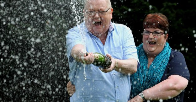 Lottowinnaars that record of 161 million pounds won, after more than 30 years of marriage to divorce