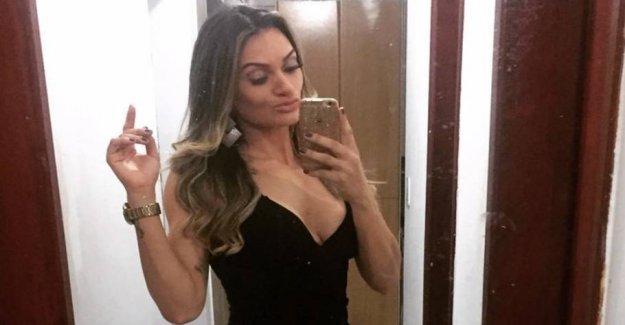 MMA babe gave beach-masturbator on the shell