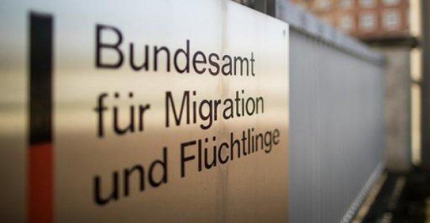 Media report: BAMF back asylum decisions for Syrians